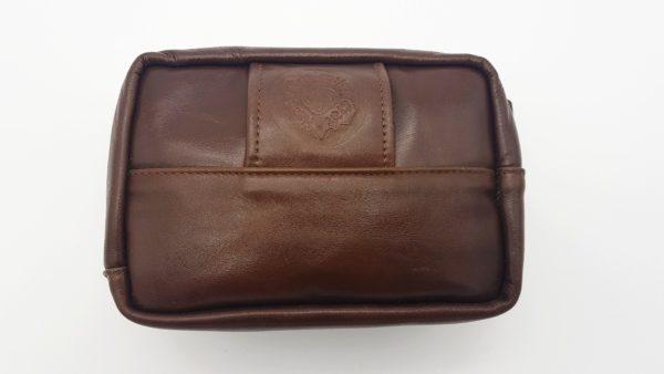 коричневая сумка на пояс из кожи фото