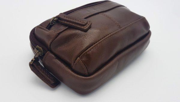 фото коричневой сумки на пояс из натуральной кожи коричневого цвета