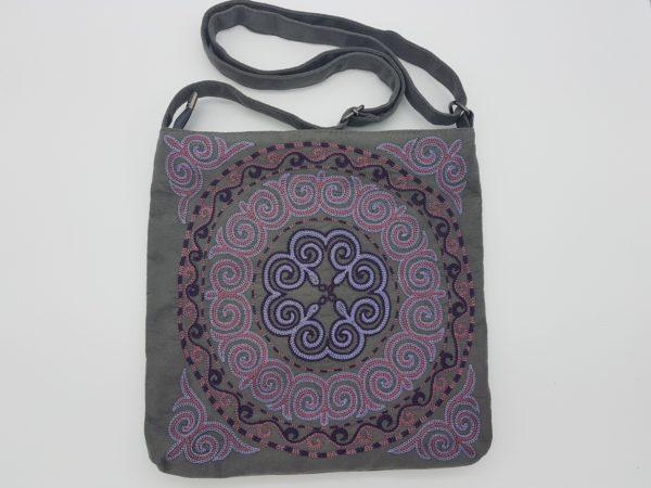 Замшевая сумка с казахским рисунком