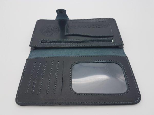 Черны кошелек из натуральной кожи