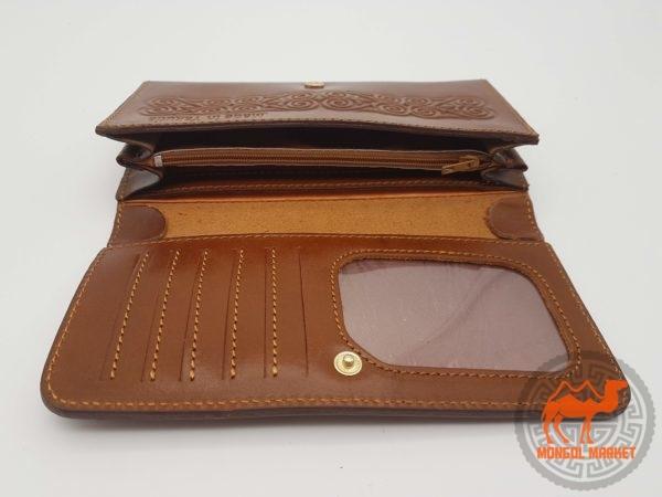 женский коричневый кошелек