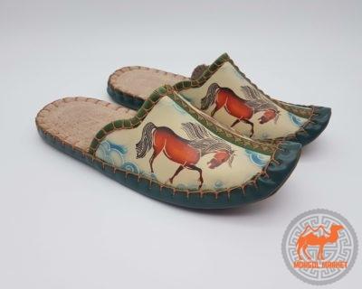 Кожаные монгольские тапочки