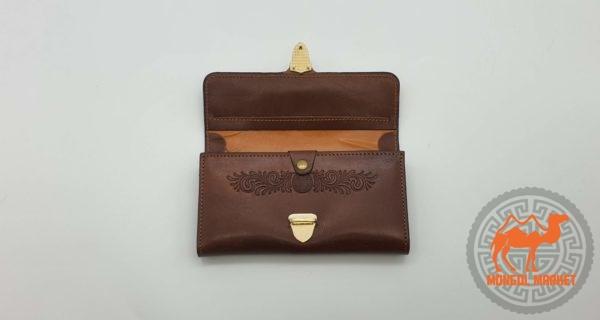 коричневый кожаный кошалек