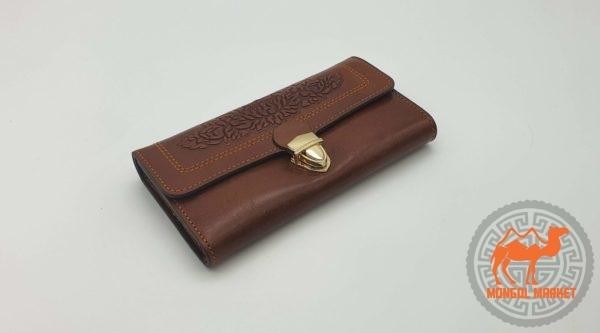 женский коричневый кожаный кошелек фото