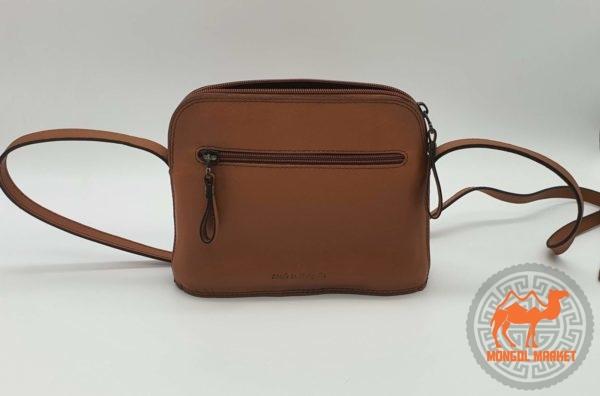 маленькая коричневая женская сумка картинка