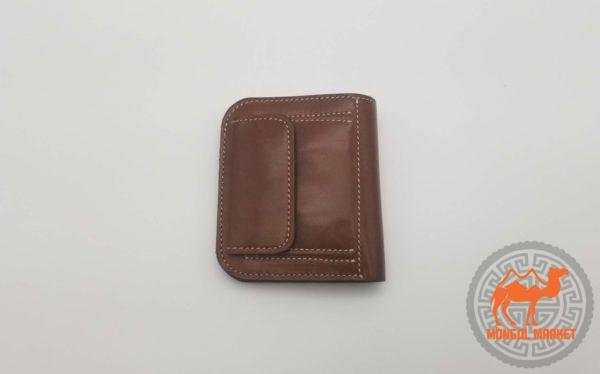 Кожаный кошелек из коричневой кожи картинка