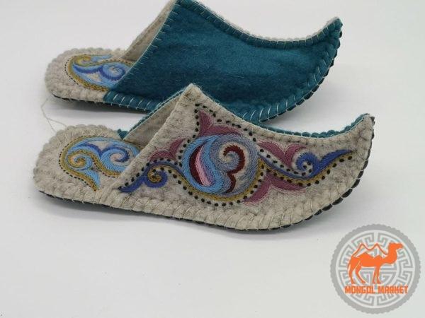 Тапочки из войлока Монголия фото